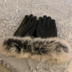 Faux fur faux leather gloves